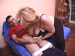 Blonde Granny Woman Fuck Hard With The Sweetheart Of Her Daughter's Friend