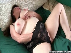 Mom&#039 S Big Tits And Willing Pussy Need Attention