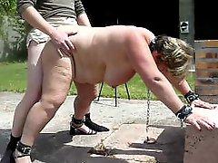 Swinging Tits