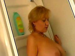 Fucking German Mature In The Bathroom