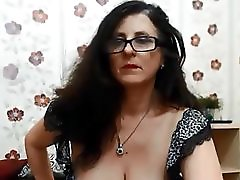 Dancing Milf With Seroius Cleavage
