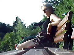 Teaser Cum For Milf In Park