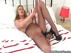 Keep Calm And Enjoy Britain&#039 S Sexiest Milfs Holly Kiss Red And Scarlet