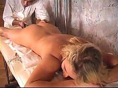 Jolie Blonde Bien Doree