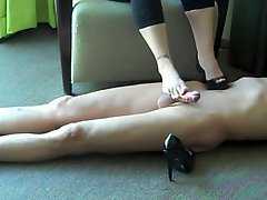 Housewife Footjob Shoejob