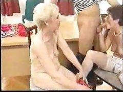 2 Grannies
