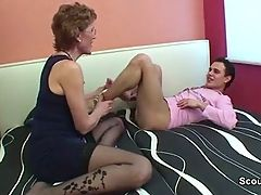 Mom With Perfect Body Want To Fuck German Step Son !