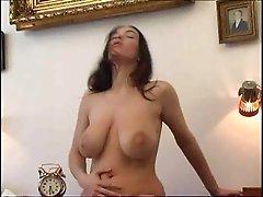 Big Tits Baby Streichlen