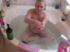 Huge Bath Squirt