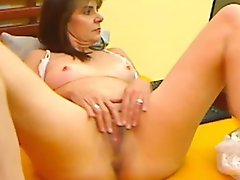 Mature Lady With Hot Pussy