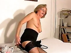 Mature Woman Has A Pissing Fetish