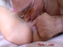 Violent Orgasm Pour Cette Teen !!! French Amateur