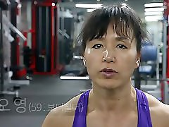 Korean Muscle Mom 02