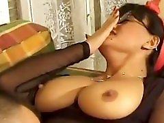 Yummy Mummy Tits Bounce