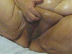 Close Up Oil Pussy Rub