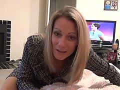 Mommy Gives Pantyhose Footjob And Bj