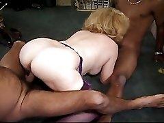 Kitty Foxx Interacial 3some