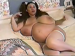 Honey Moons 9 Months Pregnant & Bustin 2
